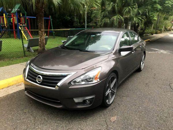 Nissan Altima из США